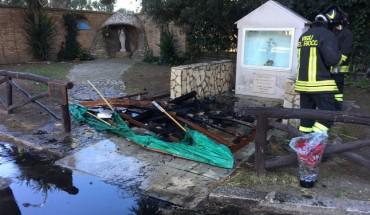 presepe_incendiato_chiesamadonnarosario_fg02012017