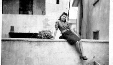 qaundo-mariuccia-di-giusvalla-si-sedeva-sul-muretto-in-tempo-di-guerra-1943