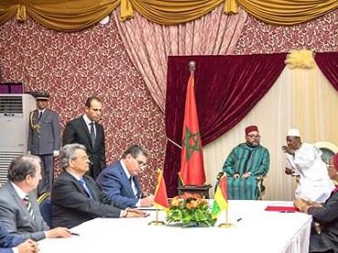 """Il Re Mohammed VI in Guinea: Presidente Alpha Condé. """"Contiamo molto sul Re Mohammed VI affinché gli interessi Africani siano difesi"""""""