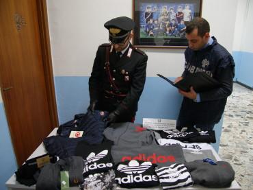 Carabinieri di Petilia Policastro. Sequestro di numerosi capi di abbigliamento con marchi contraffatti