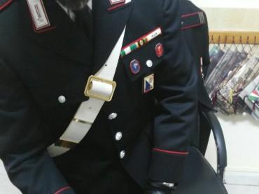 TORRE MELISSA: ENTRA A SCUOLA ARMATO DI UN COLTELLO, DENUNCIATO DAI CARABINIERI