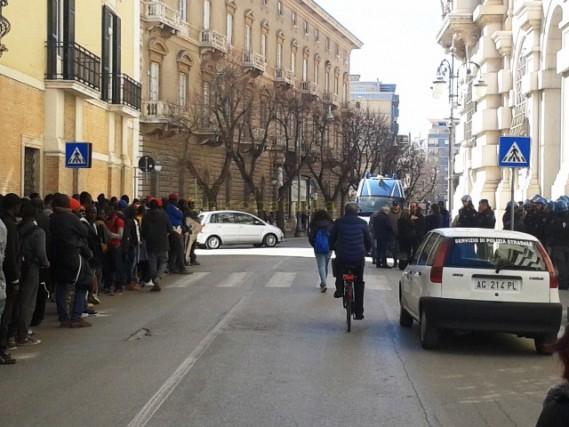 migranti_ghettoRignano_PrefetturaFG2017-03-02_002