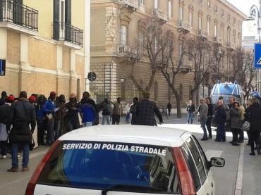 Foggia. Migranti. Il VIDEO della protesta pacifica del Gran Ghetto di Rignano Garganico