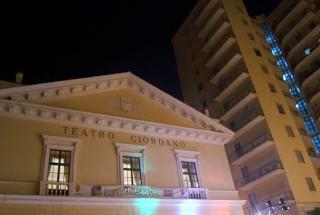 teatro_giordano_chiuso_2011