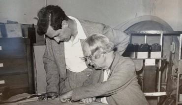 August Piccard e suo figlioJacques nei Cantieri durante la fase del progetto al batiscafo Trieste