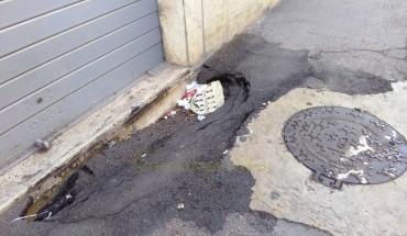 Foggia, alcuni marciapiedi pericolosi. - ©NicoBaratta all rights reserved -