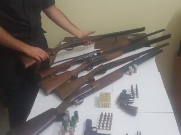 Scandale Trovato in possesso di tre pistole clandestine, arrestato dai Carabinieri