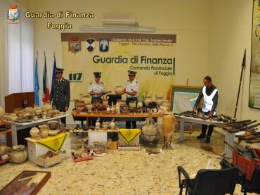 "Foggia, ""Operazione Sacra Reliquia"", la Guardia di Finanza recupera beni archeologici. Arrestate due persone."
