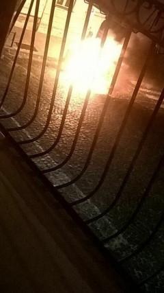 [L'auto in oggetto data alle fiamme a Monte Sant'Angelo]