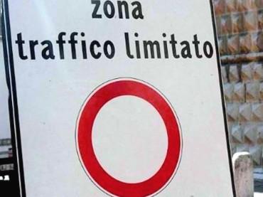 """La denuncia di un disabile: """"io multato in una ZTL a Lecce con la mia auto nonostante il pass"""
