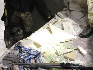 I Carabinieri a Cerignola sequestrano armi e droga rinvenuti in bunker