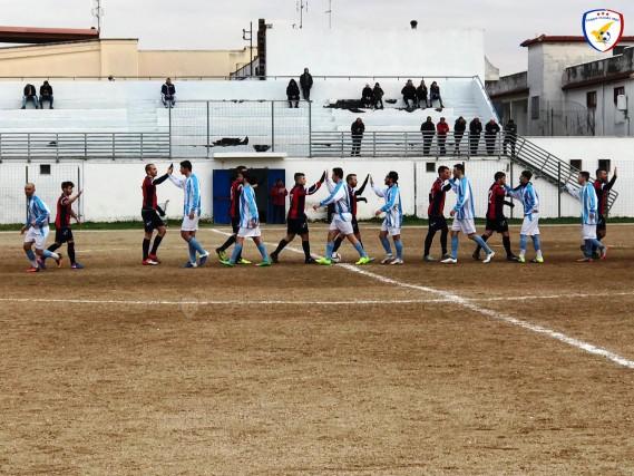 [All'inizio del match tra ASD Calcio Palo e ASD Foggia Incedit - foto Foggia Incedit]