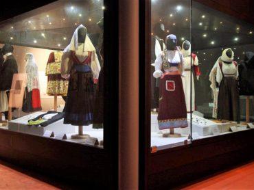 """Successo a Sassari e Ittiri della Nona edizione di """"Sestos"""", evento dedicato all'abbigliamento sardo"""