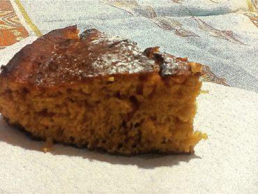 La torta di carote e nocciole