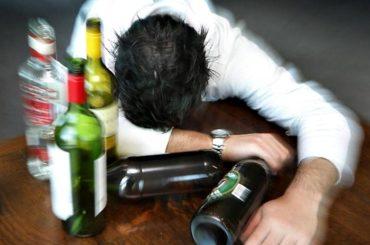 L'ALCOL FA MOLTO PIÙ MALE DI QUANTO SI PENSI