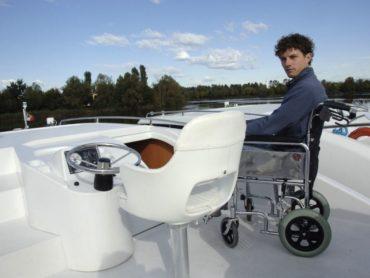 Da oggi in Italia l'unica vacanza d'Europa in Houseboat per diversamente abili