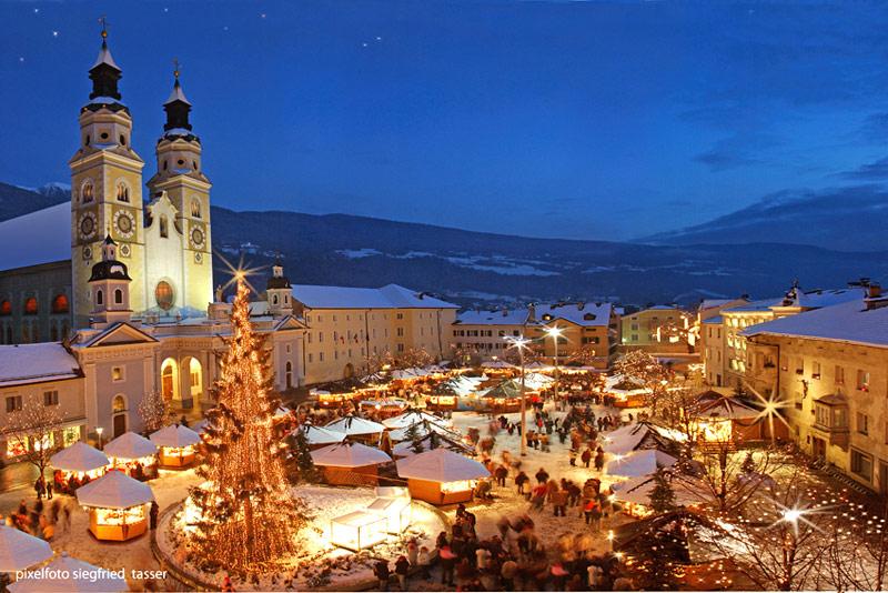 Mercatini Di Natale A Merano Foto.Visita Ai Suggestivi Mercatini Di Natale Di Bolzano Merano