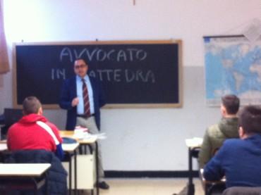 Albenga:  al ITIS Galilei l'Avvocato sale in cattedra per la legalità