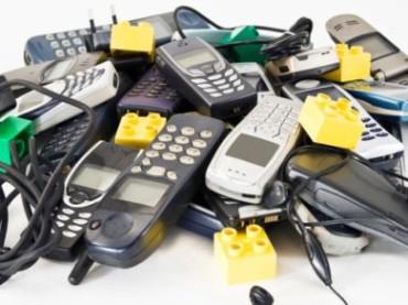 Rifiuti elettronici, cresce la raccolta di cellulari e piccoli elettrodomestici