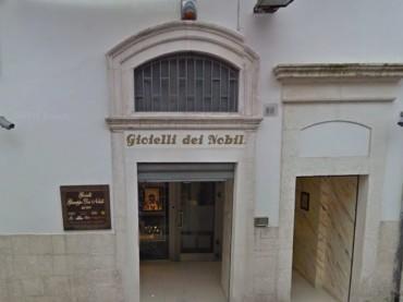 """Monte Sant'Angelo, rapina efferata alla gioielleria """"dei Nobili"""""""