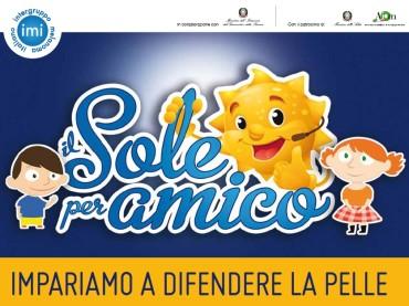 """Troppo sole e scottature per un bambino italiano su 4: """"Il Sole per amico"""" rilancia la prevenzione del melanoma"""
