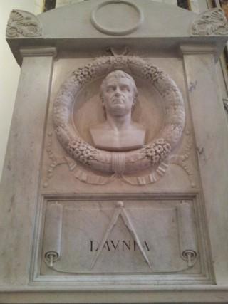 La tomba di Giuseppe Rosati (foto gruppo facebook Foggia Com'era 2) ndr.
