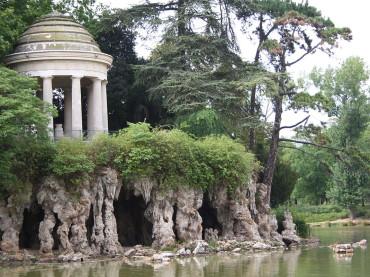 Parigi: naturisti, si potrà stare nudi in una parte del Bois de Vincennes Off limits i voyeur