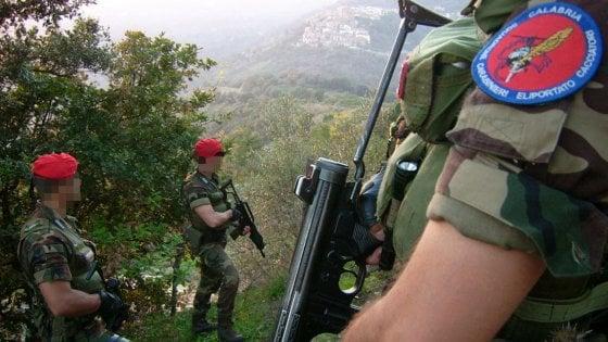 [Lo Squadrone Carabinieri Elitrasportato Cacciatori di Calabria - foto Repubblica.it]
