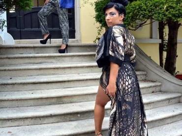 Svelato il vestito dell'attrice Debora Cattoni al festival di Venezia