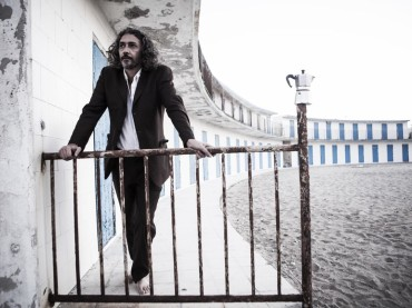 """Alessio Bonomo: Showcase """"La musica non esiste"""" (Na cosetta, 3 febbraio – ore 17,30)"""