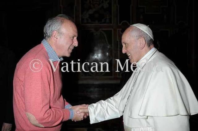 Pippo Cavaliere con Papa Francesco - foto VaticanMedia