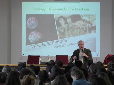 MAL D'ALCOL > Progetto per le scuole di informazione e prevenzione dei danni da abuso d'alcol > a cura del Prof. Luigi Rainero Fassati