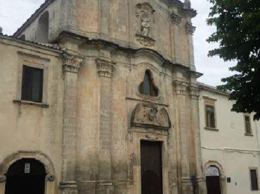 """Furto alla """"Parrocchia del Carmine"""" di Monte Sant'Angelo, le dichiarazioni del Parroco e la solidarietà dal Sindaco (PD) e da Forza Italia"""