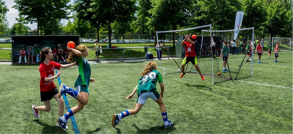 Scarpe sportive per bambini: come sceglierle e quali caratteristiche devono avere