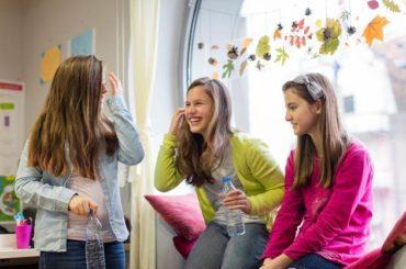 Ritorno tra i banchi di scuola:  ecco come ripartire con il piede giusto  grazie a una corretta idratazione