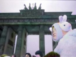Berlin, Brandenburger Tor 1989  Fotografie in bianco e nero con i colori della Memoria  di Massimo Golfieri